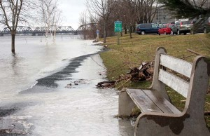 Floodwaters at Fredericton, Apr.23.09