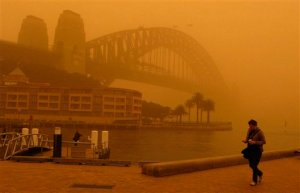 Dust shrouds Sydney Harbour, Sept.23.09