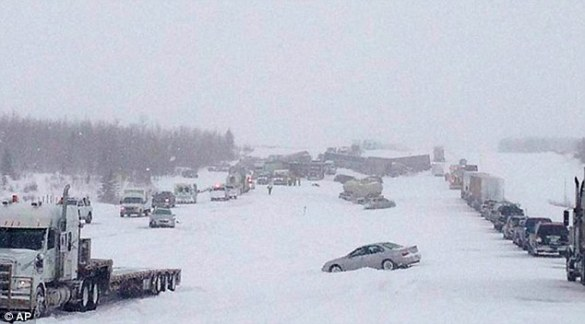 Highway pileup near Leduc, AB, 21 March 2013 (AP)