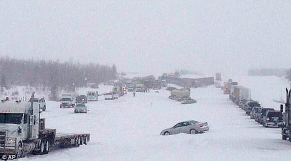 Highway pileup near Leduc, AB, 21 March 2013 (AP)