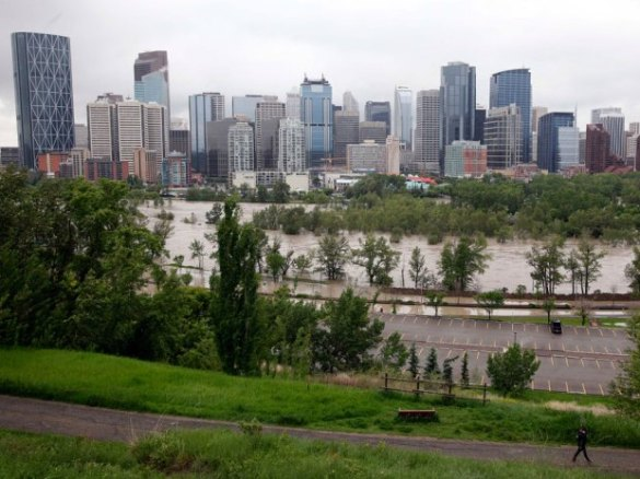 Flooding in downtown Calgary, 21 June 2013 (CP)