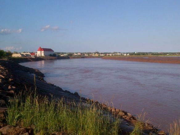 Petitcodiac River in downtown Moncton, 24 July 2013 (Dearing)