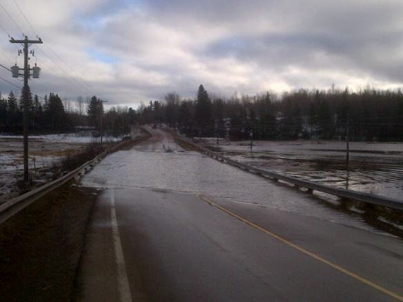 Mill Creek spills banks over Route 114 at Riverview town limits, 15 Jan 2014 (Dearing)