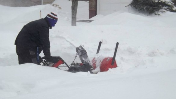 Snow blower at work in NW Moncton, 13 March 2014 (Facebook)