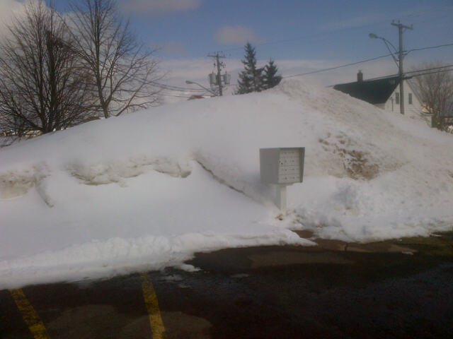 Mountain of snow in NE Moncton, 03 April 2014 (Dearing)
