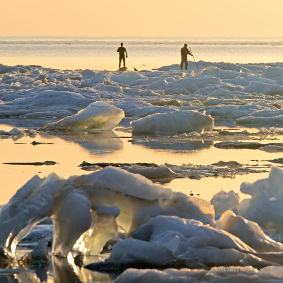 Ice on southern Lake Superior, 31 May 2014 (Twitter @LAKSuperiorFoto)