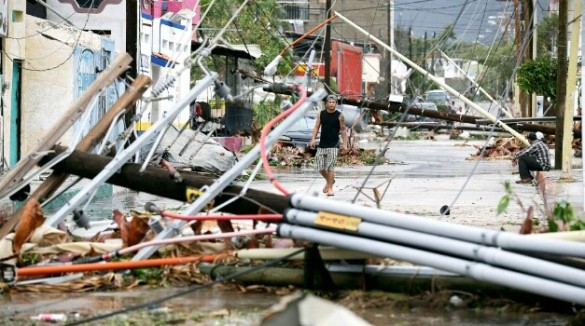 Destruction from Odile in Los Cabos, Mexico, 15 Sept 2014 (AP)