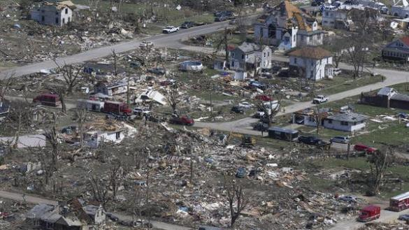 Tornado damage in Fairdale, Illinois, USA, 10 April 2015 (Twitter)