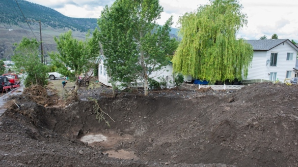 Aftermath of flash flooding in Cache Creek, BC, 25 May 2015 (CP)